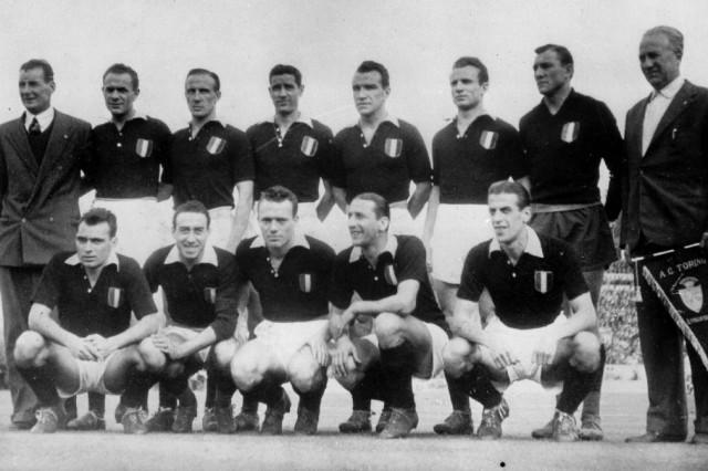 Mannschaft des AC Turin; Unglücksstelle des Flugzeugabsturzes in Turin