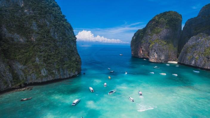 Die Maya Bay auf der Insel Ko Phi Phi in Thailand