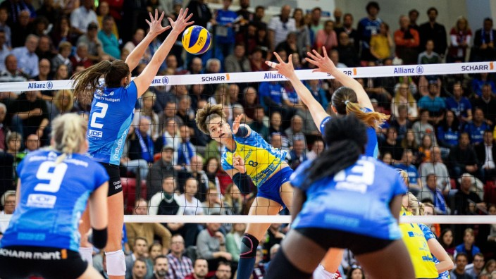 Angriff Kimberly Drewniok 8 SSC VBL Play Off Finale Damen Allianz MTV Stuttgart vs SSC Palmberg
