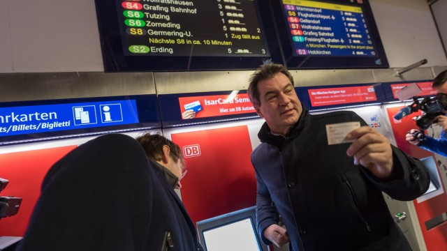 Bayerischer Ministerpräsident informiert sich über Nahverkehr