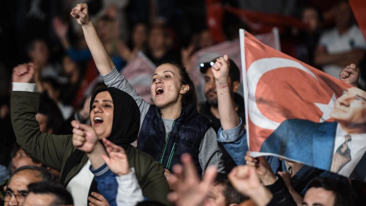 Neuwahl in Istanbul - Wütende Proteste der Opposition