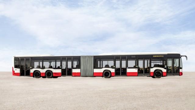 Mercedes Großraumbus Capacity L für die Hamburger Hochbahn