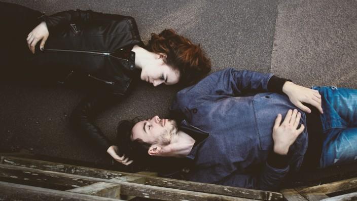 Dating online Zeitung Cyrano Agenzia di incontri EP 3