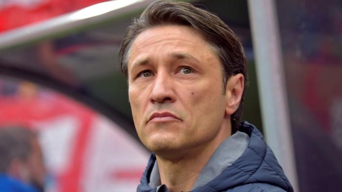 FC Bayern - Trainer Niko Kovac beim Spiel gegen RB Leipzig