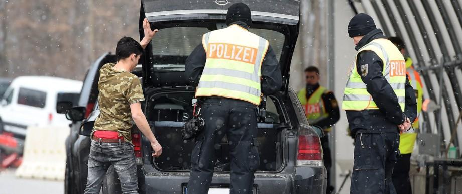 Grenzkontrollen an der deutsch österreichischen Grenze am 19 03 2018 am Grenzübergang Walserberg Gre