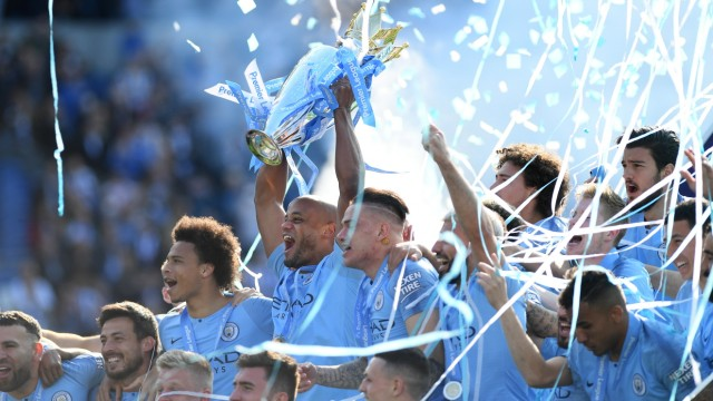 Manchester City feiert den Sieg in der Premier League 2019
