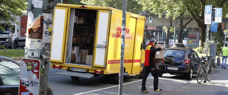 14 08 2017 Bochum DHL Zustellfahrzeug in der Umweltzone Bochum unterwegs
