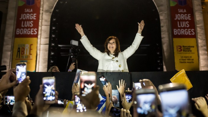 Ehemalige Präsidentin von Argentinien stellt Buch vor
