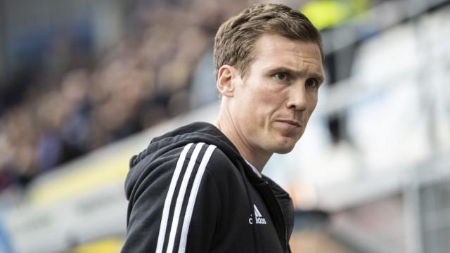 HSV-Trainer Hannes Wolf beim Spiel gegen den SC Paderborn
