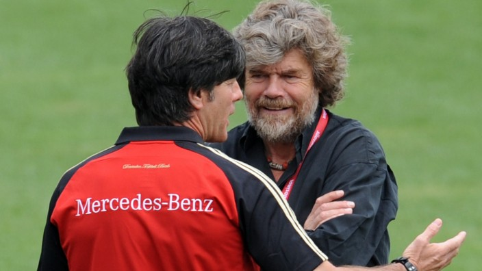 DFB-Trainingslager in Südtirol - Reinhold Messner