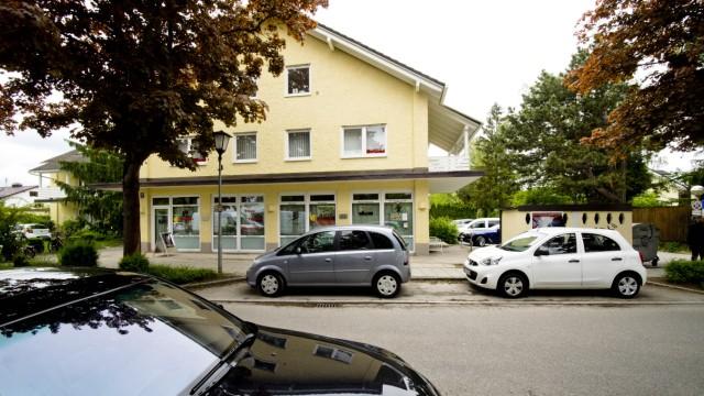 VAT - Bahnhofstr. 30 wg. Parkplätzen