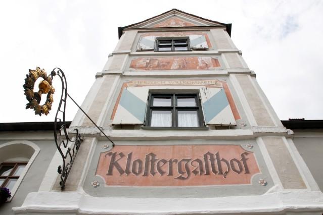 Betrieb im Klostergasthof ; Unter neuer Leitung
