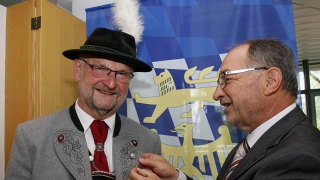 Ehrenzeichen für Burkhard Herkert