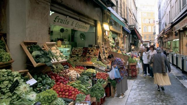 Gemüseladen im Viertel Noailles in Marseille