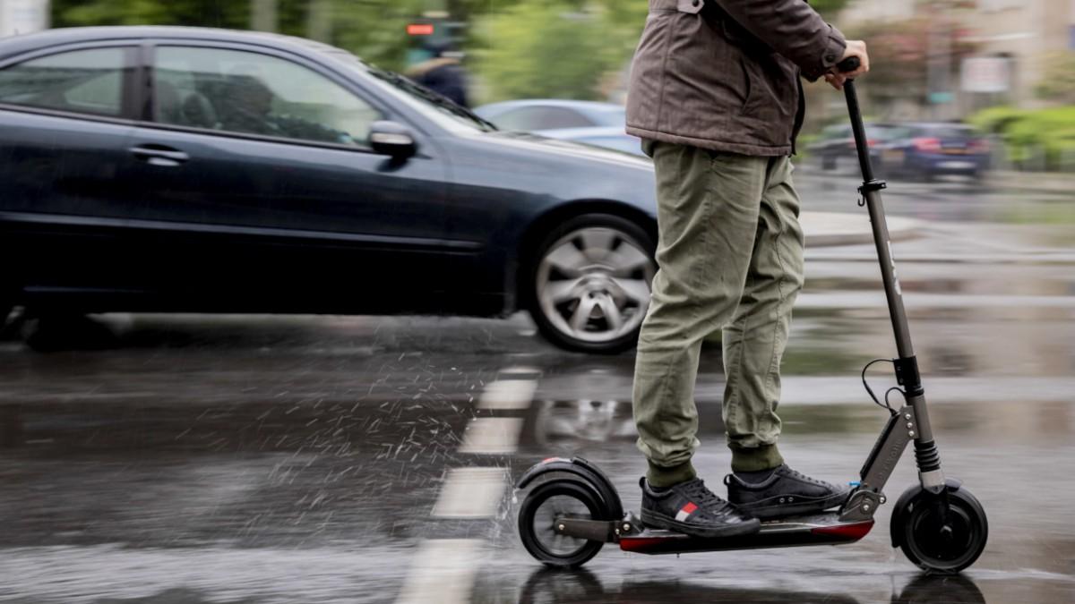 E Scooter Wer Losrollen Darf Und Wer Nicht Auto