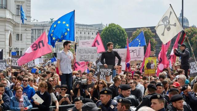Wien 18 05 2019 Knapp vor der EU Wahl steht Österreichs Vizekanzler Heinz Christian Strache FP