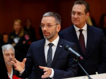 Austrian Interior Minister Kickl and Vice Chancellor Strache attend a news conference in Vienna