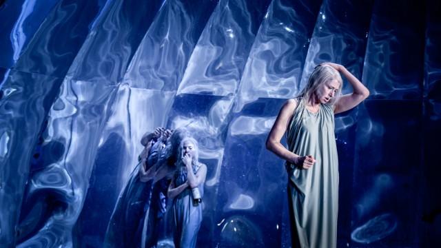 """""""Persona"""" Theatertreffen 2019 / Berliner Festspiele Koproduktion mit dem Malmö Stadsteater"""