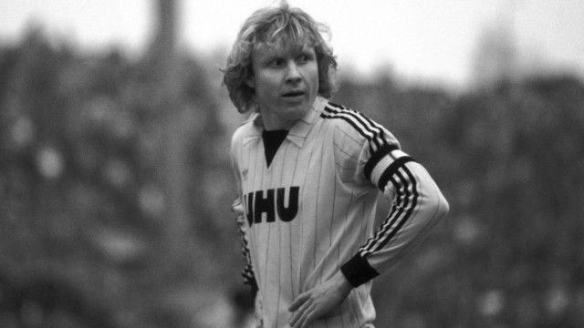 Manni Burgsmüller im Trikot von Borussia Dortmund