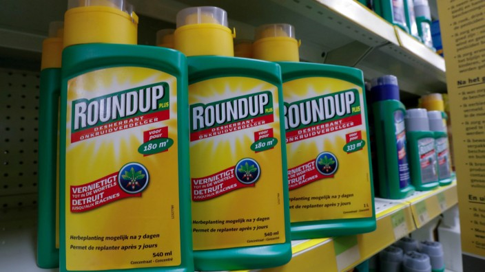 "Monsanto-Produkt ""Roundup"" mit dem Inhaltsstoff Glyphosat"