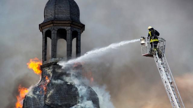 Gut für die Feuerwehr, blöd für die Kirche