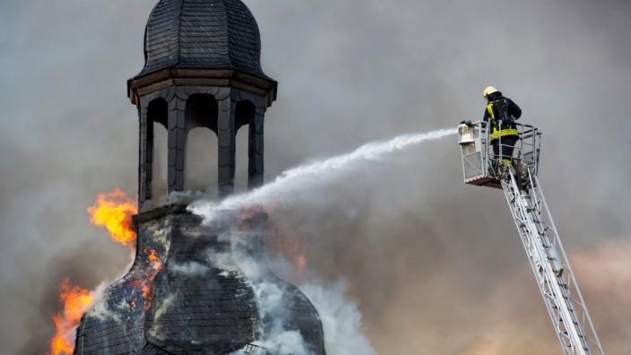 Wiederaufbau der Kirchenburg in Walldorf