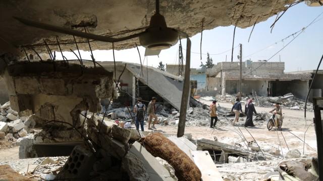 Syrien-Krieg - Zerstörte Gebäude nach einem Luftangriff in Idlib