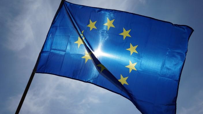 EU-Flagge auf einer Demonstration für Europa in Leipzig