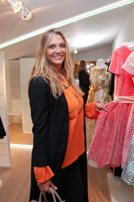 Nicole Belstler Boettcher Ophelia Blaimer Wies n Couture Celebration in Ihrem Showroom in Muenchen