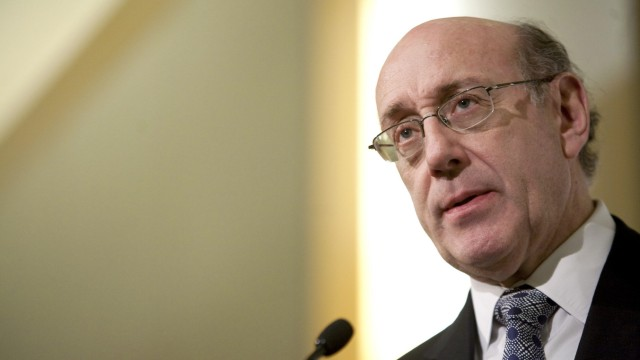 Kenneth Feinberg, special master of executive compensation in the Troubled Asset Relief Program at the Treasury, speaks in Washington