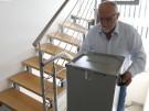 Ein Wohnzimmer als öffentliches Wahllokal (Vorschaubild)