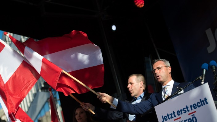 FPOe Holds Final Election Rally Before European Parliamentary Elections