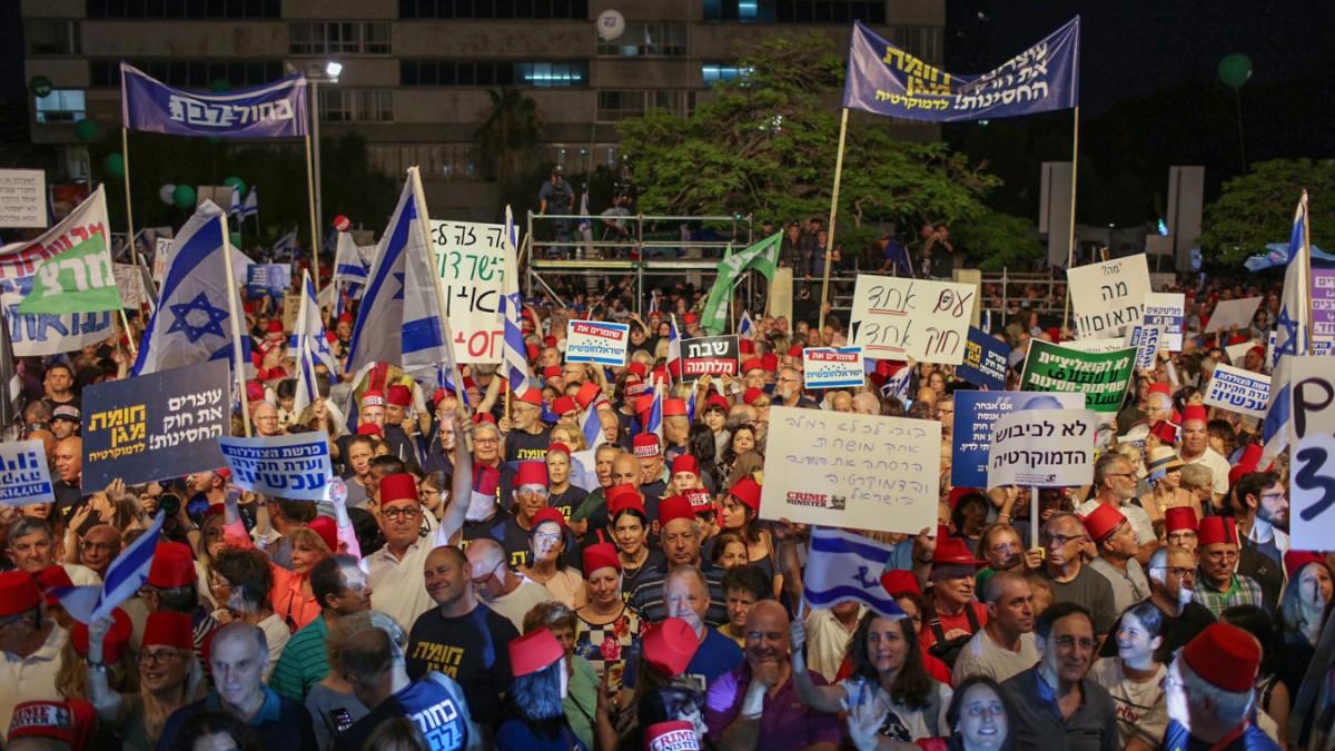 Tel Aviv: Tausende demonstrieren gegen Netanjahu