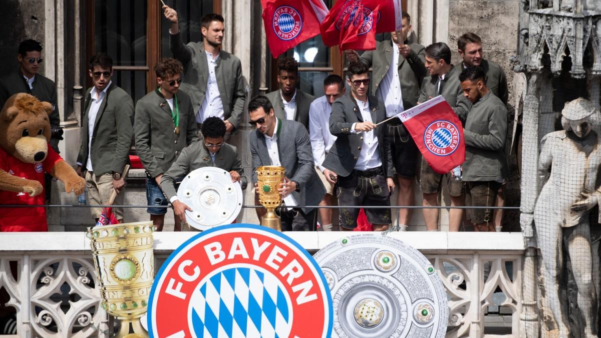 """""""I love you. Merci"""": So feiern müde Bayernspieler das Double"""