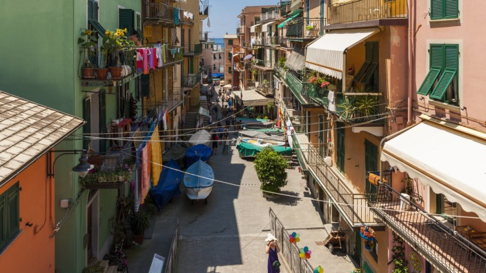 Italy Liguria La Spezia Cinque Terre Manarola view to alley with residential houses PUBLICATION