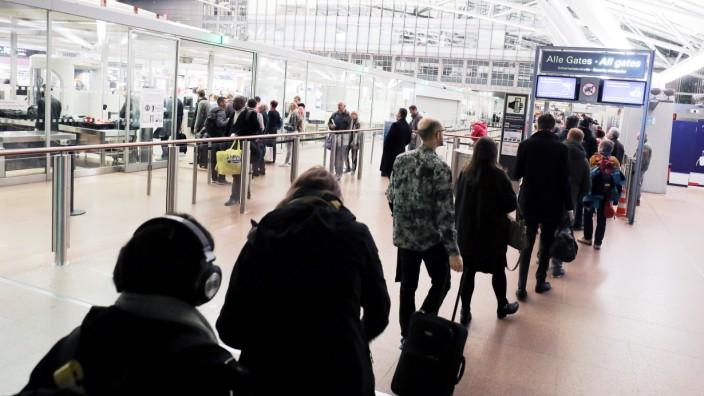 Warnstreik des Sicherheitspersonals am Flughafen Hamburg