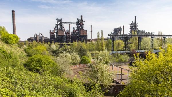 Landschaftspark Duisburg Nord ehemaliges Hüttenwerk in Duisburg Meidrich Hochöfen Emscherpromen