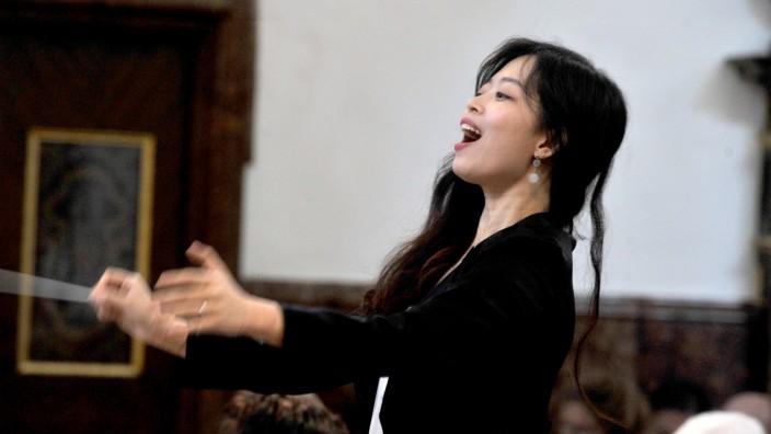 Andechs Dirigentin der Andechser Chorgemeinschaft  Sul bi Yi