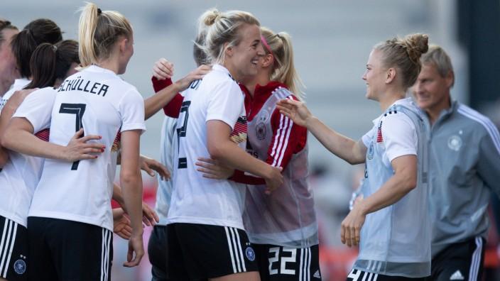 Deutsche Frauen Besiegen Chile Sport Suddeutsche De
