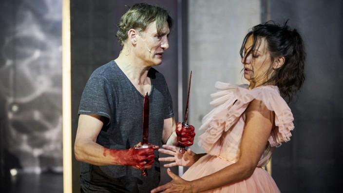 Hamburger Theater Festival - MACBETH; Macbeth Masucci Striebeck