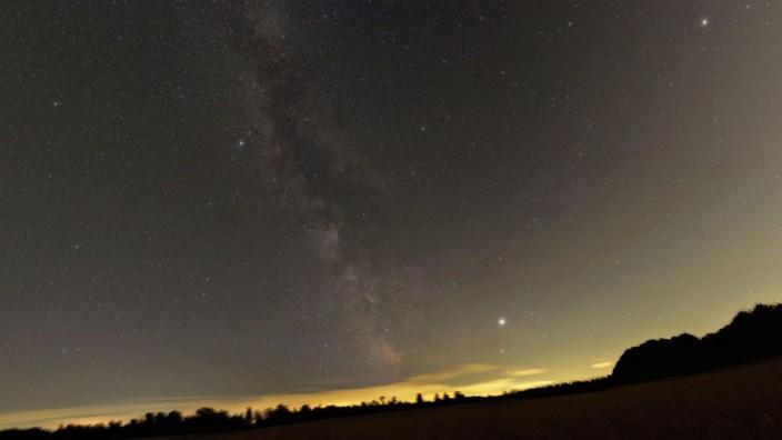 Bilder des Sommerhimmels über München, Waldenburg und La Palma (Hochgebirge ohne Lichtverschmutzung) fotografiert von Eckhard Slawik aus Grafing