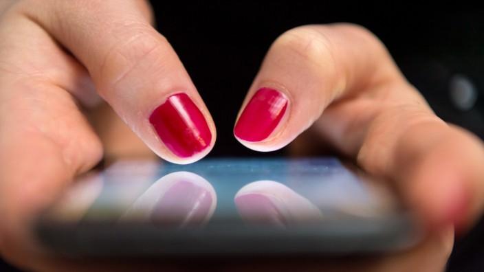 Lehrer und Eltern kommunizieren über Whatsapp