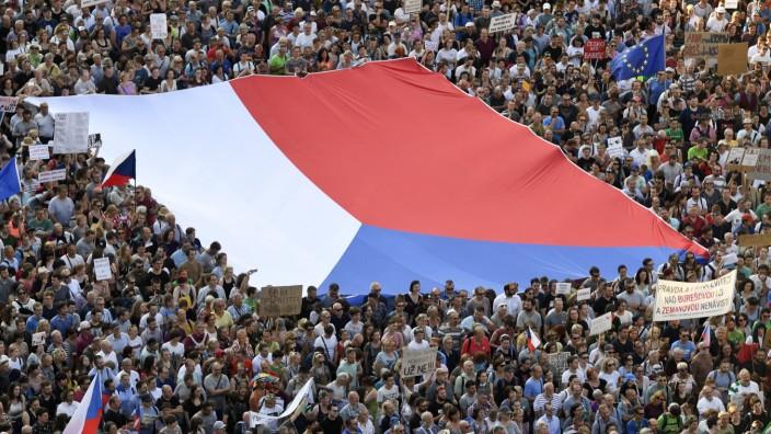 Demonstration gegen tschechischen Regierungschef in Prag