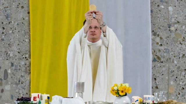 Christoph Klingan Pfarrer Poing