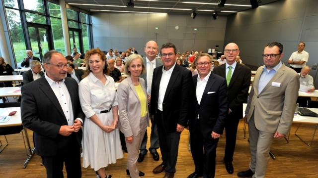 Tutzing. polit Akademie:  Politik & Unternehmen gestalten die Zukunft