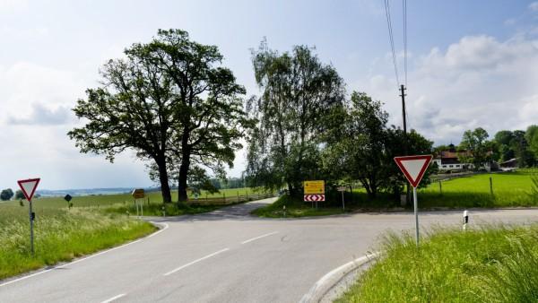 Kreuzung Georgenberg-Herrmannsdorf wg. Busunfall