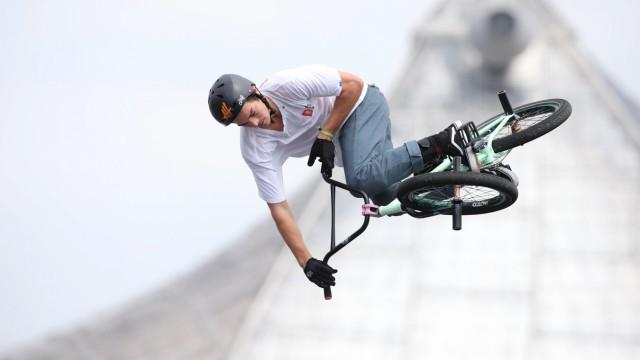 Bild zeigt Alex Hiam AUS waehrend des BMX Spine Ramp Finals am Coubertinplatz im Rahmen des Munic