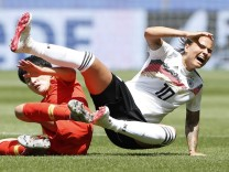 190608 RENNES June 8 2019 Xinhua Dzsenifer Marozsan R of Germany competes during the