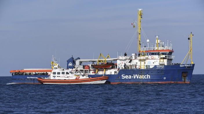 Sea Watch 3 vor der Küste von Sizilien