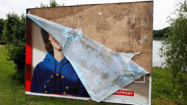 SPD - Zerstörtes Wahlplakat für Katarina Barley zur Europawahl